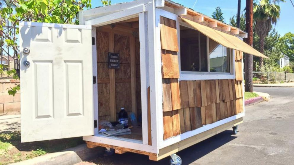 California Man Selflessly Builds Miniature House For Homeless