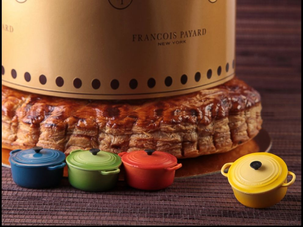 PHOTO: At Francois Payard bakeries, one lucky customer will receive a King Cake with a special Le Creuset trinket baked inside -- signaling that the customer has won a special prize.