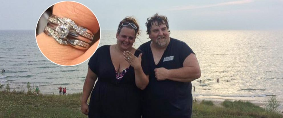 PHOTO: Jamie Kennedys engagement ring was returned after being lost for two days in Lake Michigan.