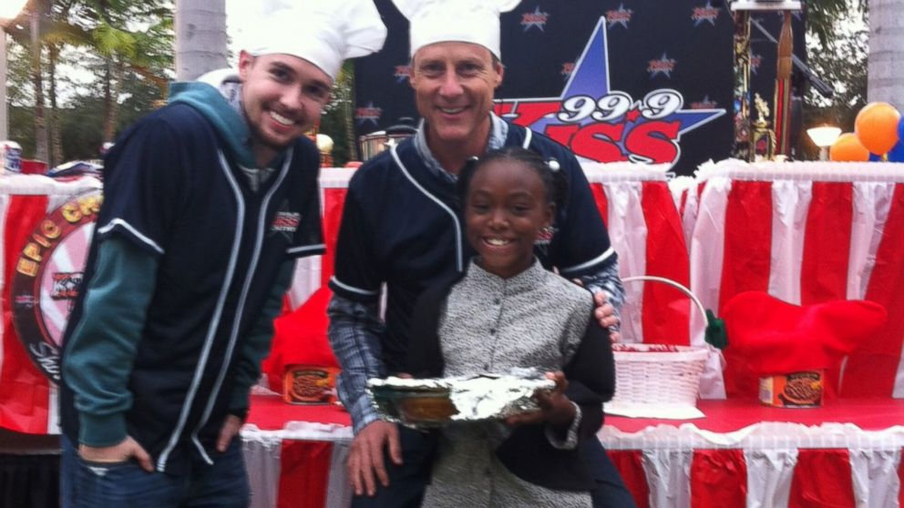 Eight-year-old Taylor Moxey beat out professional chefs to win a cornbread competition.