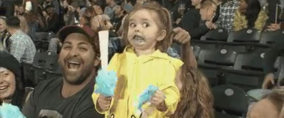 PHOTO: Little Girl Loses Her Mind Over Her Cotton Candy at Seattle Mariners Game