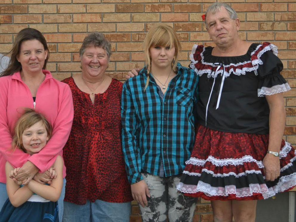 PHOTO: Sissy Goodwin and his wife Vickie Goodwin pose for a photo with their family on Thanksgiving, 2012.