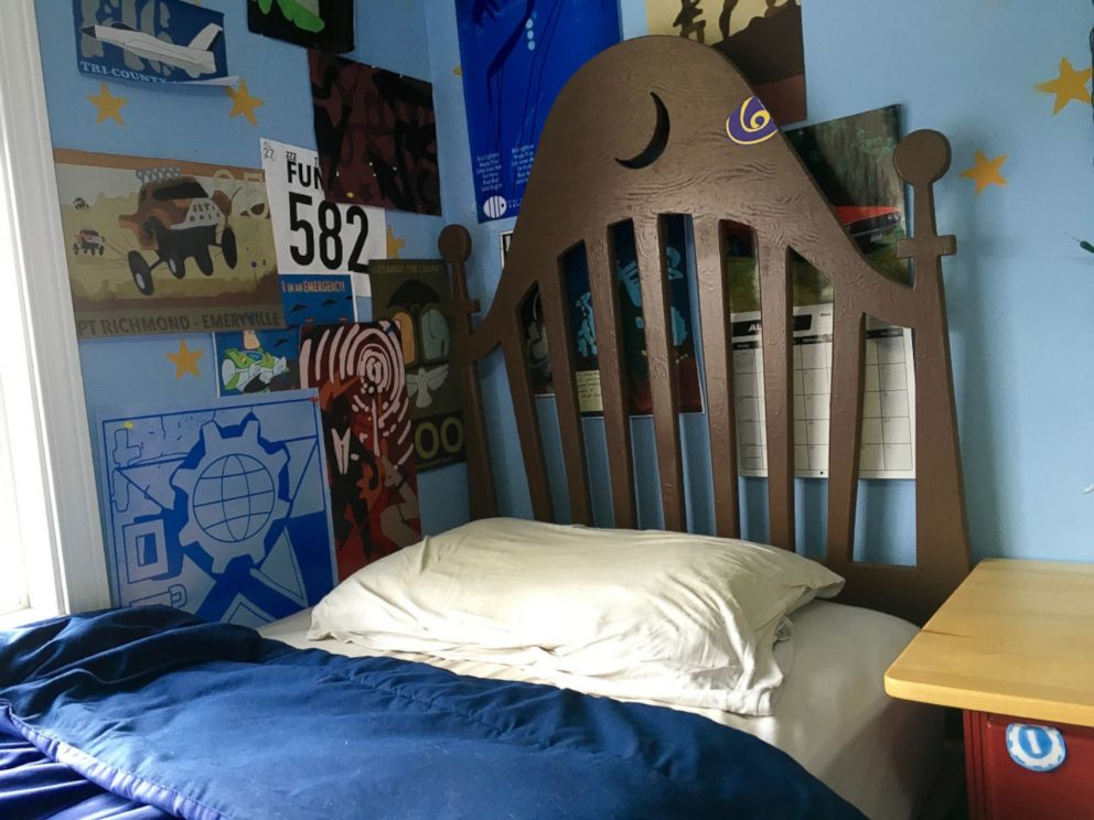 Disney Fans Create Life Size Replica Of Andy S Room From Toy Story