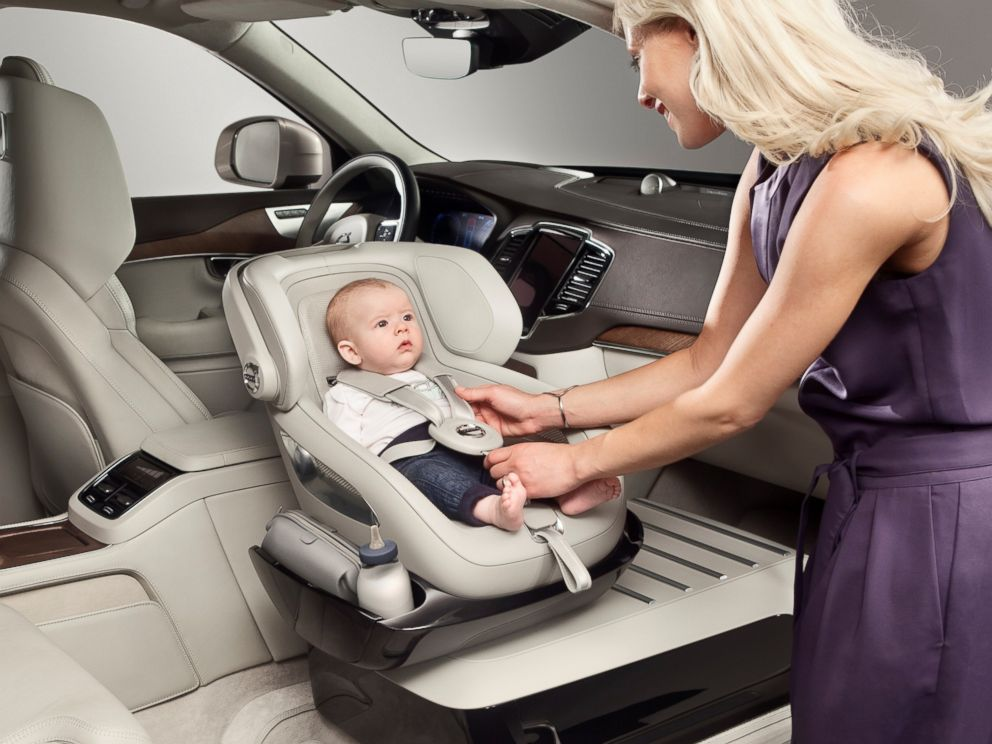 PHOTO The Excellence Child Safety Seat Concept Enables Parent To Swivel Counter