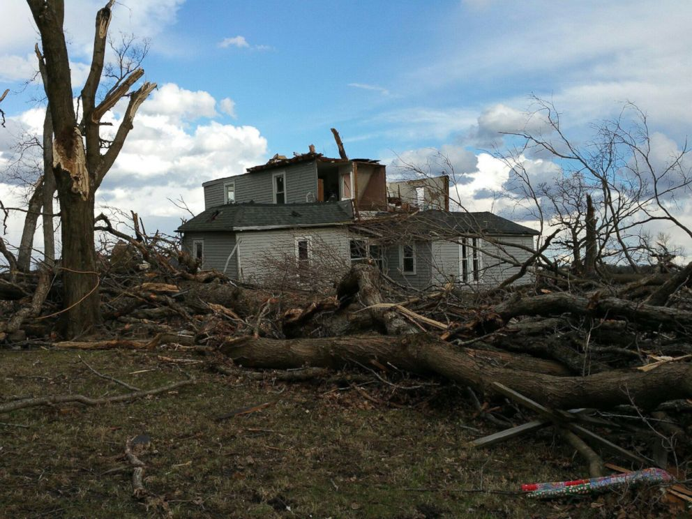 PHOTO: Jill Stawicki, 55, says a series of tornadoes ripped off the roof from the back of her and her husbands home in East Moline, Illinois, on March 15, 2016.