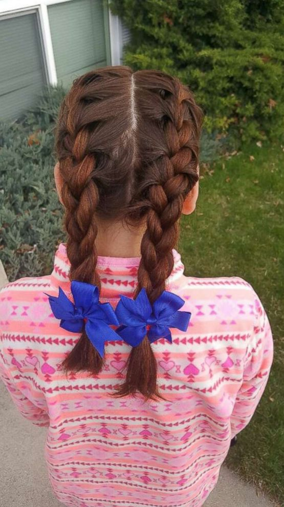 PHOTO: Tracy Dean, who has four children including an 11-year-old of her own, said its no big deal braiding Isabella Pieris hair each morning.