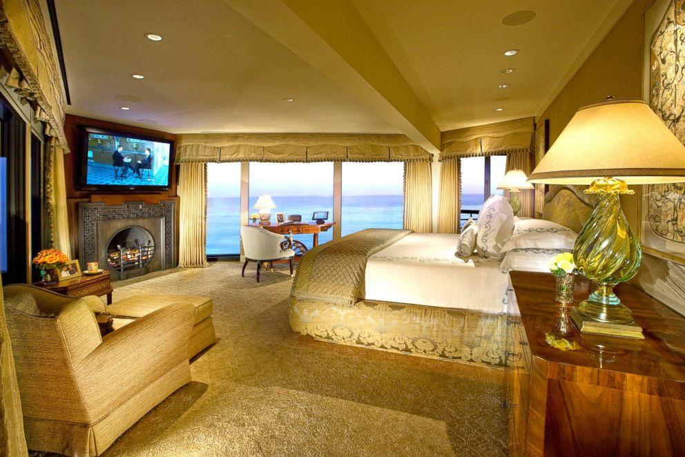 Inside Johnny Carson S 81 5m Malibu Mansion Abc News