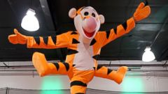 see this amputees amazing halloween costume as tigger