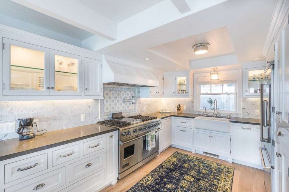 PHOTO: The kitchen inside Judy Garlands former Malibu beach home on sale for $3.7 million.