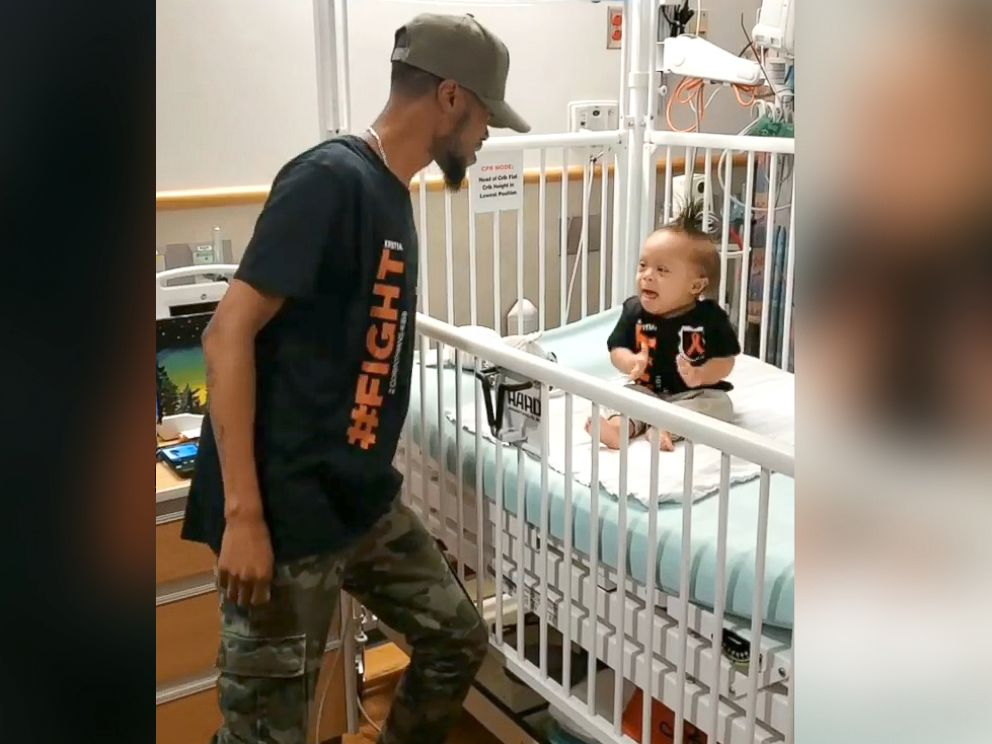 PHOTO: Kenny Thomas, 34, danced for his 1-year-old, Kristian, at Childrens Hospital of Philadelphia, after Kristian received his first round of chemotherapy.