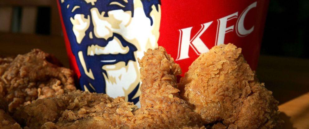 PHOTO: A bucket of KFC Extra Crispy fried chicken is displayed, Oct. 30, 2006, in San Rafael, Calif.