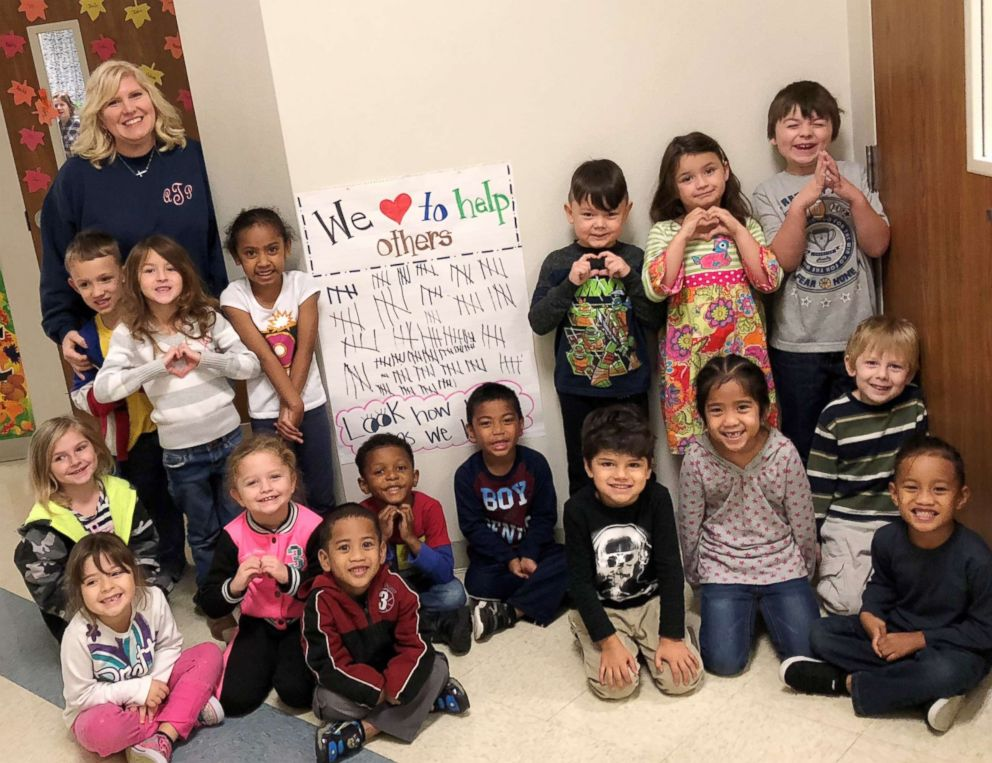 PHOTO: Ashley Taylor, a kindergarten teacher in Texas, is seen with her class.