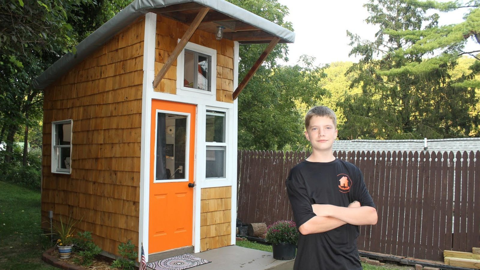 13 year old builds 1 500 tiny house in family s backyard abc news