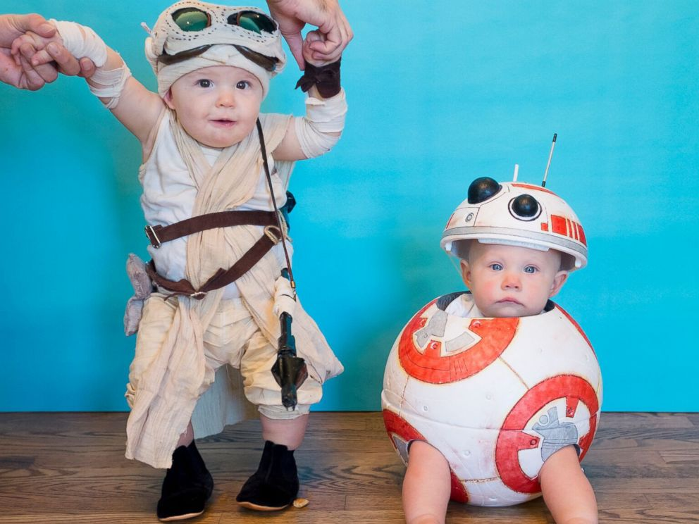 PHOTO: Lera and Marigold Mancke, 8-month-old twins, pose as characters from Star Wars.