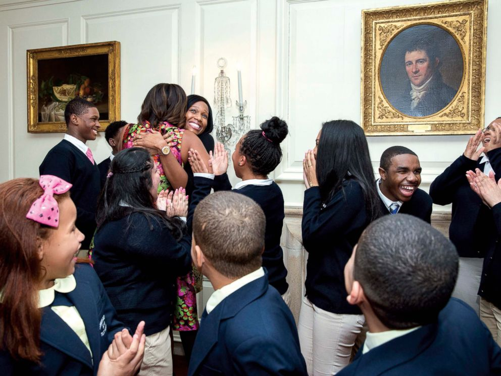 PHOTO: Michelle Obama surprises students from Turnaround Art, Feb 24, 2014, in the Map Room of the White House.