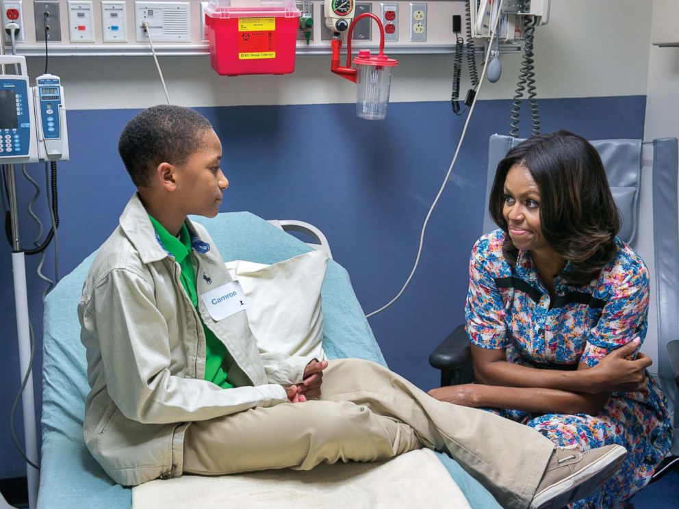 PHOTO: Michelle Obama visits with Camron Stevens in his room at St. Judes Childrens Research Hospital in Memphis, Tenn., Sept. 17, 2014.