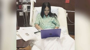 'PHOTO: Nayzia Thomas, who was in labor on Dec. 11, 2017, worked on her final exam for a class1_b@b_1Johnson County Community College in Overland Park, Kan.' from the web at 'https://s.abcnews.com/images/Lifestyle/nayzia-thomas-ht-001-jpo-171221_16x9t_384.jpg'