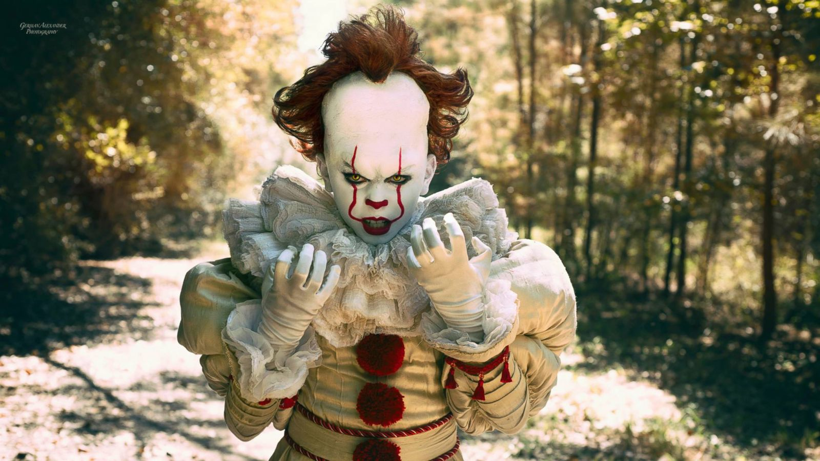 10 year old poses as pennywise in incredibly creepy photos for halloween abc news