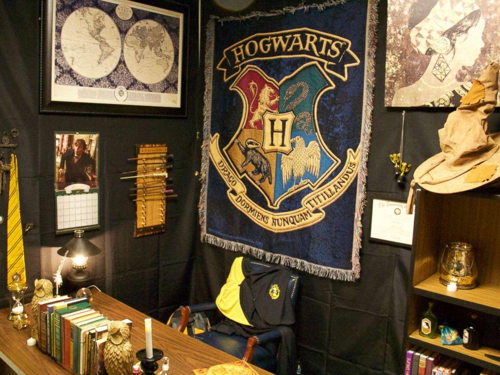 Teacher Creates Magical Harry Potter Themed Classroom To Spellbind