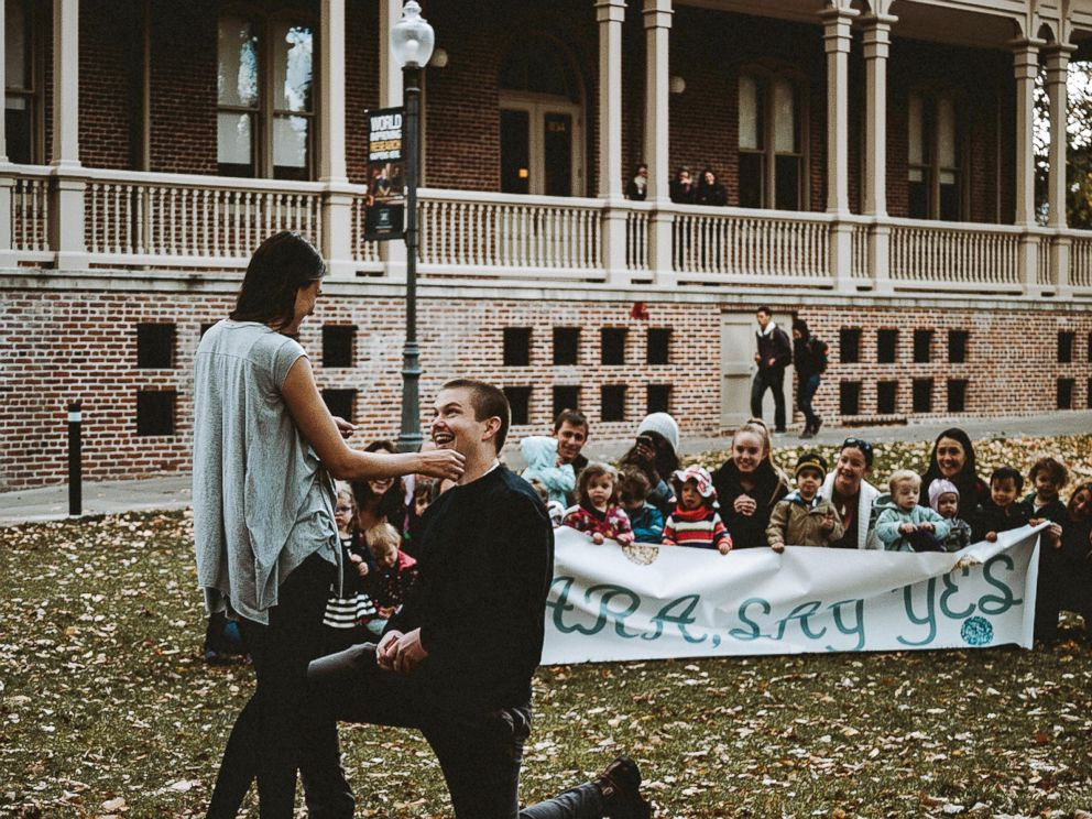 Preschoolers Help Pull Off Precious Marriage Proposal For Their
