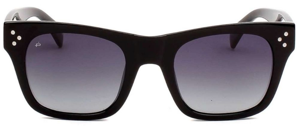 PHOTO: The classic sunglasses by Priva Revaux