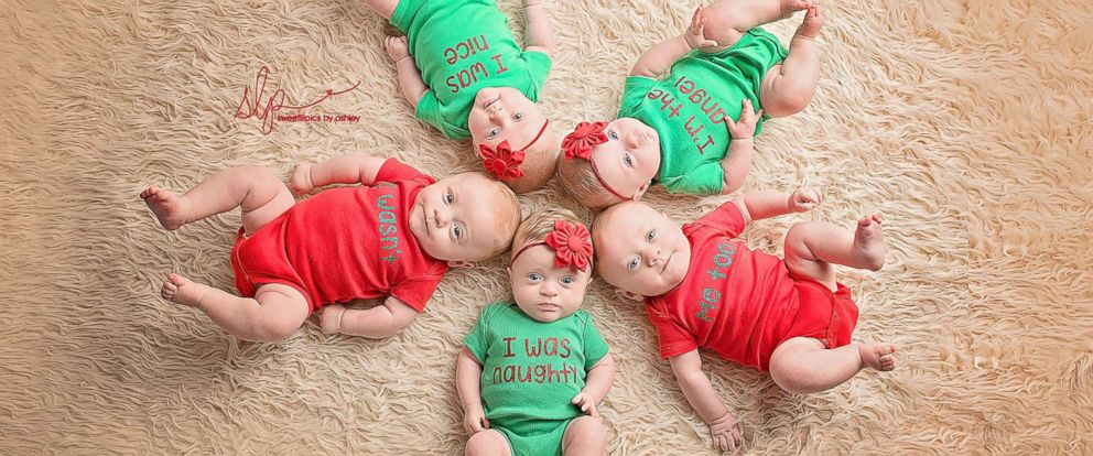 2dc61e1ee36f Quintuplets spread  Quintmas  cheer with adorable Christmas photos ...