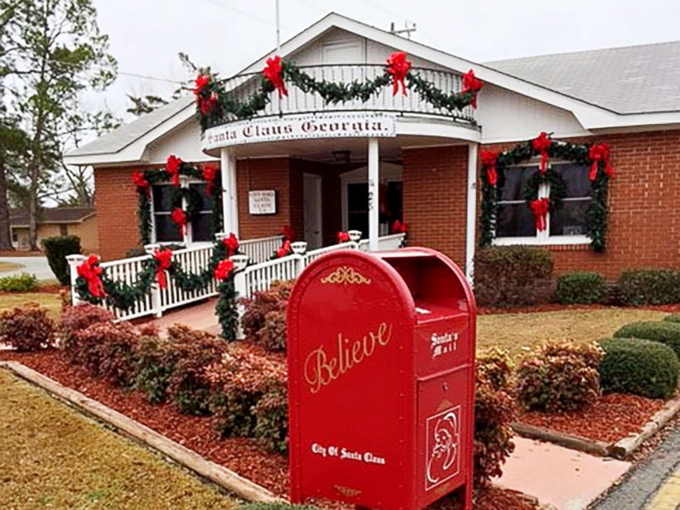 PHOTO: A mailbox in Santa Claus, Georgia, welcomes letters from around the world.