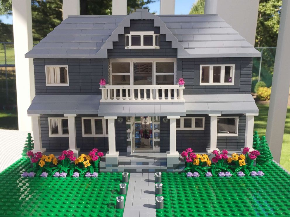 PHOTO: Shari Austrian, 39, has built a business of building homes out of Legos.