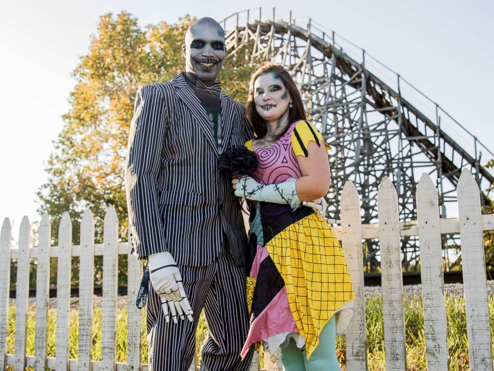 PHOTO: Shelby Waid-Johnson and George Johnson of Quincy, Ill. said getting married on Friday the 13th meant a lot because Halloween is their favorite holiday.