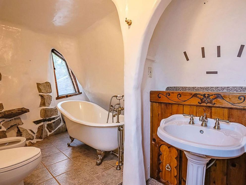 Photo A Bathroom Inside The Olalla Wash Home Inspired By Cottage