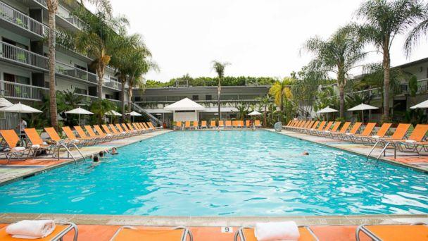 Photo Sportsmens Lodge Hotel In Studio City Calif