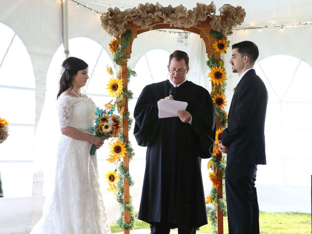 PHOTO: Judge Chris Wilton officiated at the wedding of Bill Jensen, 27, and Jennifer Jensen, 24, in Lakeville, Minn.