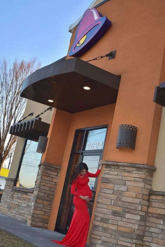 PHOTO: Kristin Johnston posed during her maternity photo shoot in front of her local Taco Bell in Atlanta, Georgia.