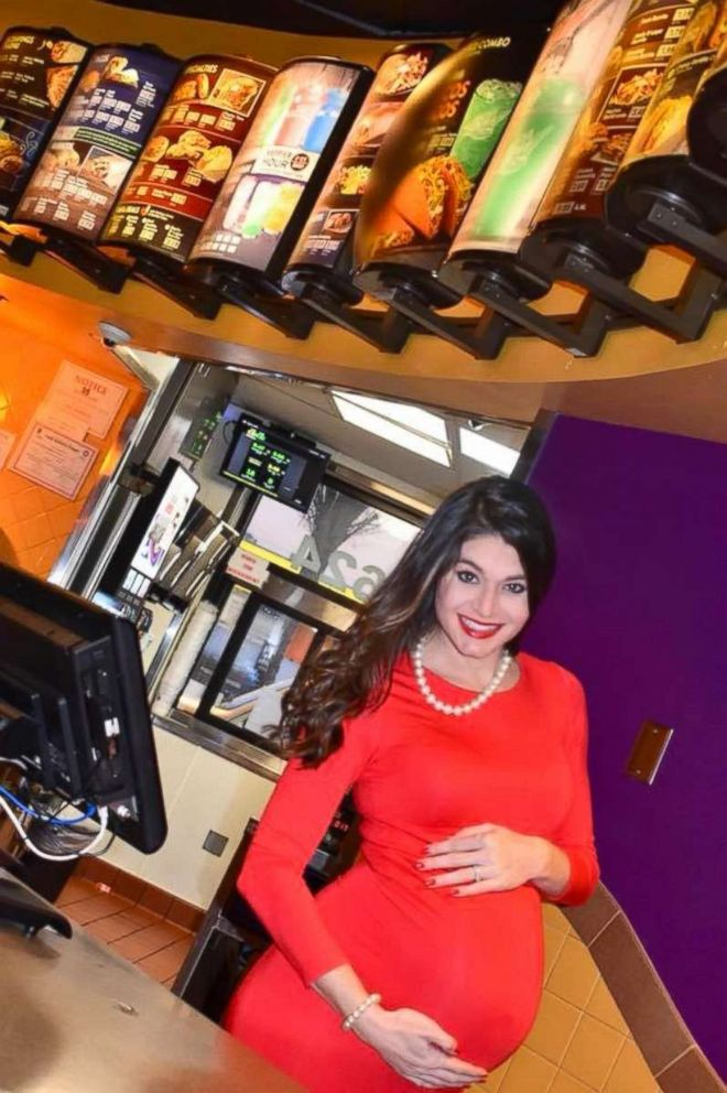 PHOTO: Kristin Johnston, a mother of now two, took her maternity photos in front of her local Taco Bell in Atlanta, Georgia.