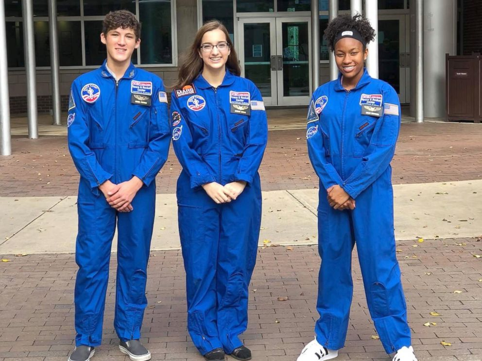PHOTO: Taylor Richardson with space camp alums Gabe Pfaffmon and Kaitlyn Ludlam.
