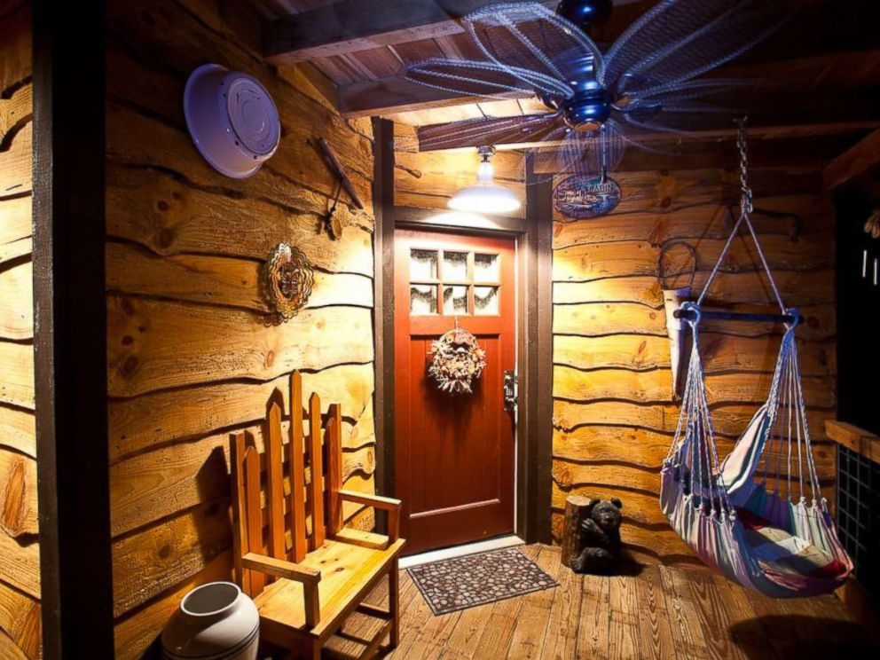 PHOTO: This one bedroom, one bathroom tree house in Monteagle, Tennessee also features a hot tub perfect for enjoying the outdoors.