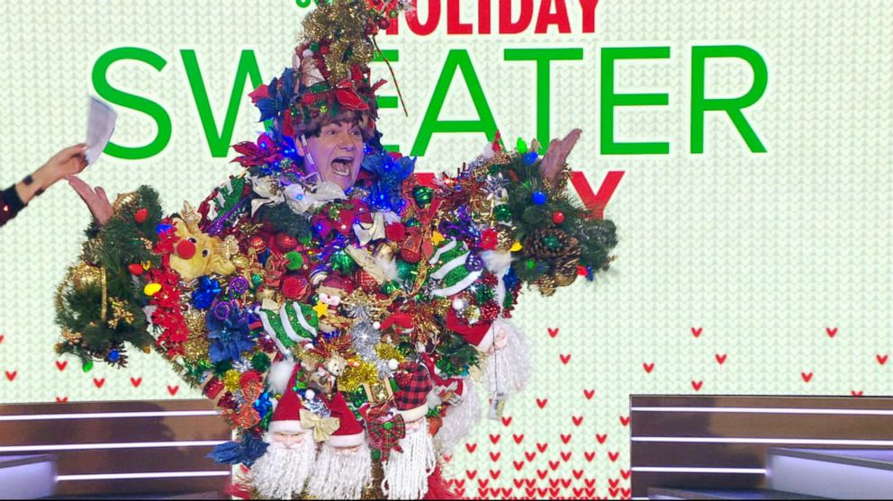 PHOTO: Steve Kemble, 58, of Dallas, went all out with his over-the-top ugly holiday sweater made of 300 bows.