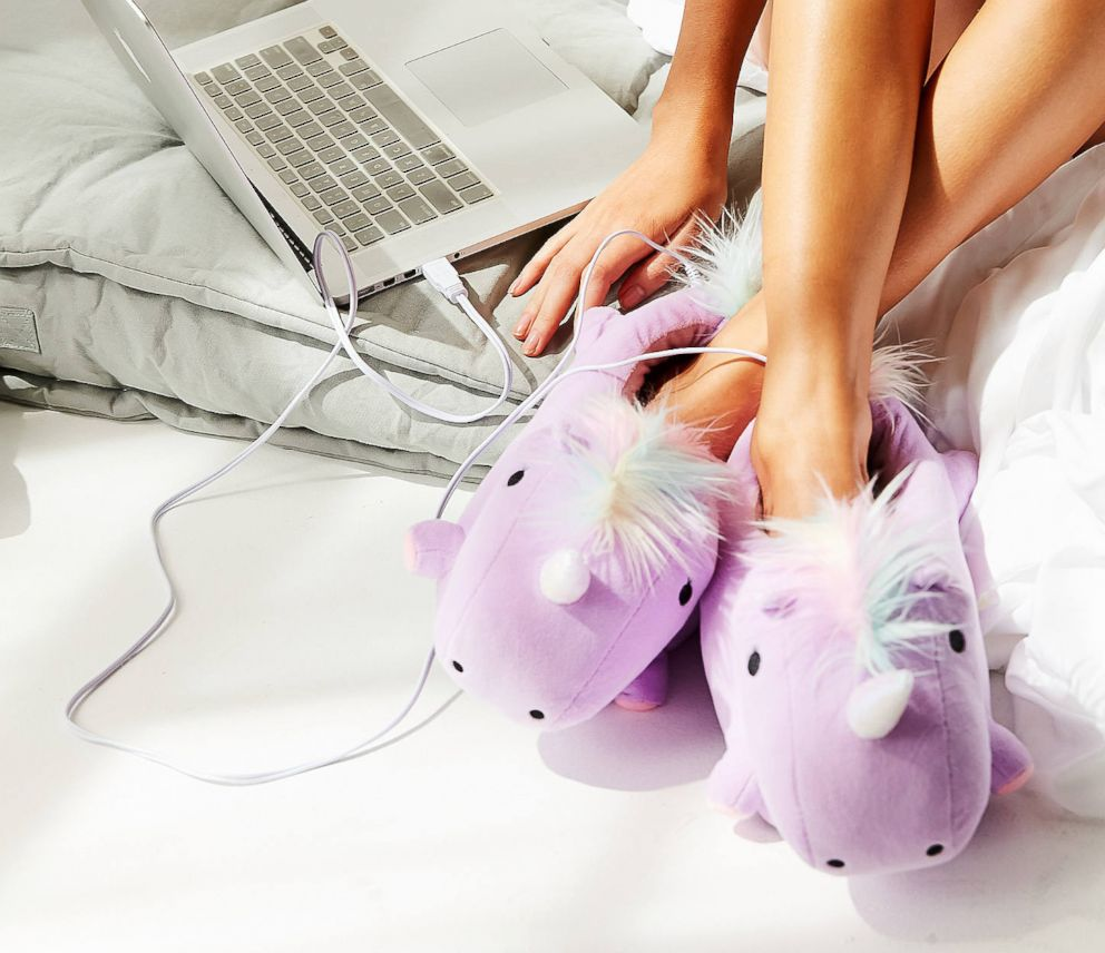 PHOTO: Smoko Unicorn USB Heat-Up Slipper