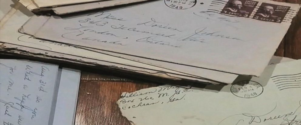PHOTO:A Pensacola couple found hidden old love letters between a World War II veteran and his sweetheart in a home they bought last month.