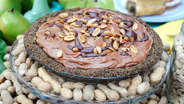 PHOTO:Emeril's chocolate peanut butter pie