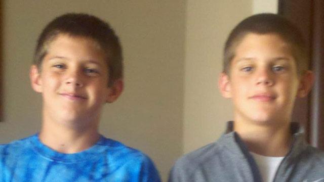 PHOTO:Twins Nate and Nick Smith