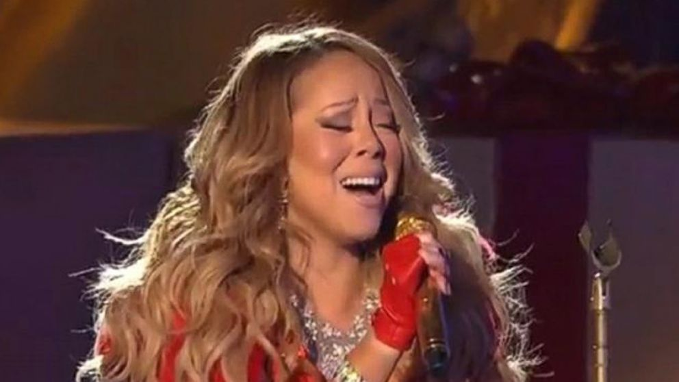 what happened to mariah careys voice at rockefeller tree lighting