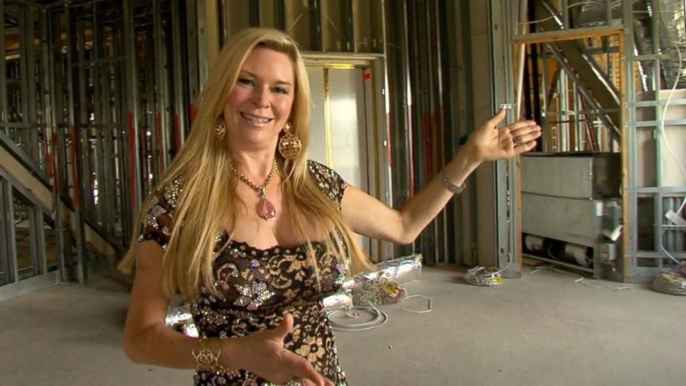 Queen Of Versailles Gives Tour 90000 Sq Ft Orlando Area Mansion