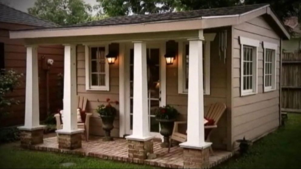backyard 39 she shed 39 where women go to get away video abc news. Black Bedroom Furniture Sets. Home Design Ideas