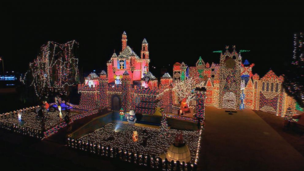 Christmas Light Displays.Entire Neighborhoods Battle For Best Christmas Light Display