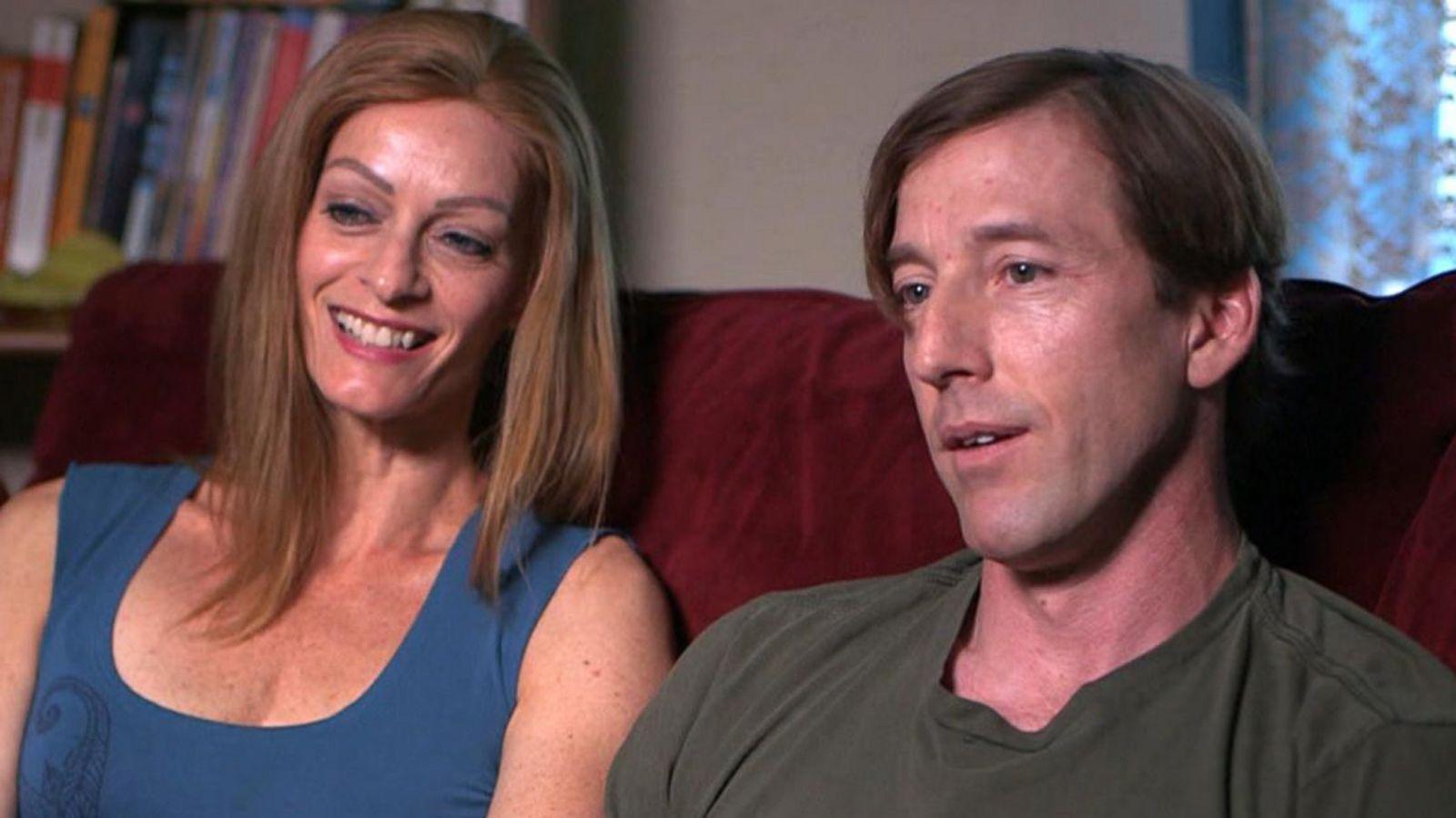 'Cam couples' share their own interactive porn via webcam for money Video -  ABC News