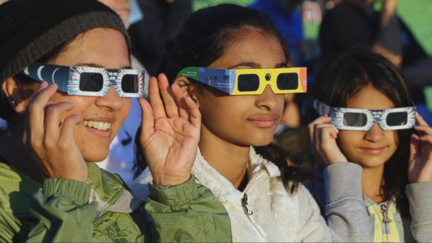 Total solar eclipse experience from coast to coast