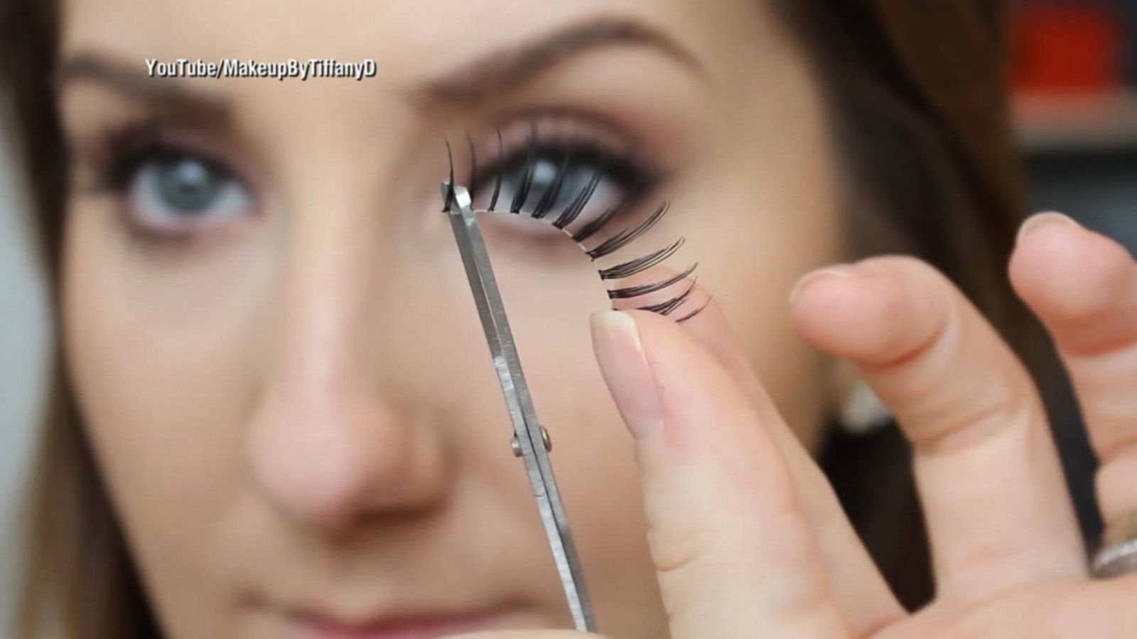 How False Eyelashes Have Become A Must Have Everyday Accessory And