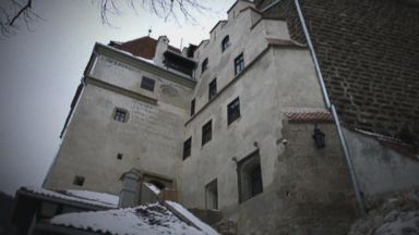 'Start Here' podcast: Touring a tent city Video 180620 ntl dracula castle hpMain 16x9 384