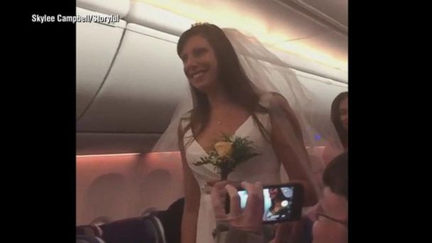 This couple got married on a plane mid-flight
